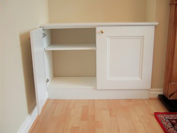 Recessed Beaded Panel Victorian Style Alcove Cupboard