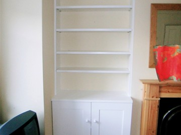Shaker Style with Shelving